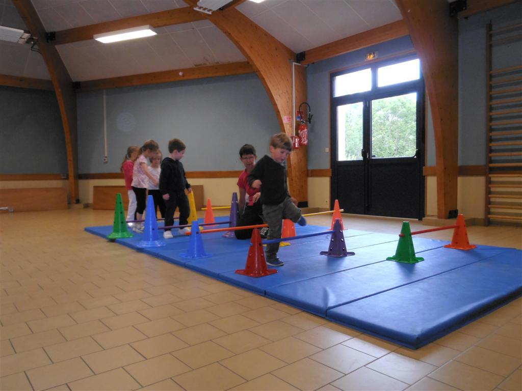 Gym enfants dernier cours 19 juin 2013 for Gimnasio 19